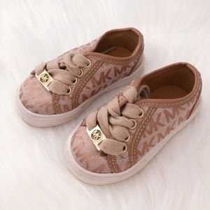 Michael Kors Infant Shoes sz 5 (baby)